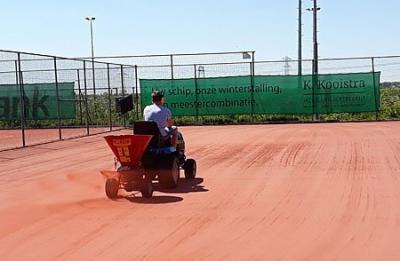 Groot onderhoud tennisbanen afgerond