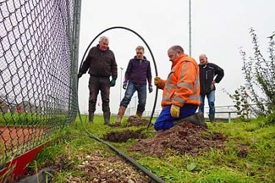 Schoonspuiten drainage tennisbanen voortijdig gestopt