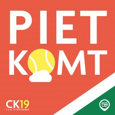 Weerman Piet Paulusma op tennisbanen in Akkrum